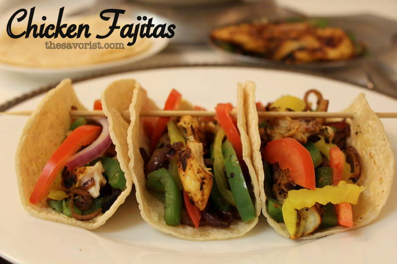 Chicken Fajitas with Corn Tortillas | Recipe on www.thesavorist.com #HealthyRecipe #glutenfree #chicken #Fajitas #CastIronSkillet