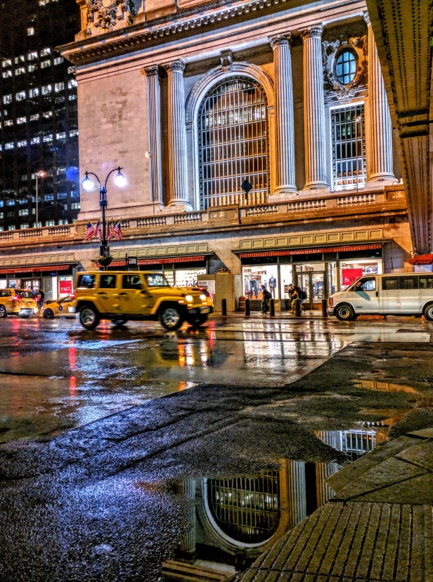 5 Weeks of Summer in New York City – A Love Story. Read the full post at The Savorist (www.thesavorist.com). Grand Central Station photographed by The Savorist #NewYorkCityLife #NYC #Manhattan #Travel #Travelogue #Photography